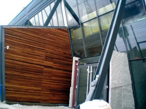 elewacja-drewniana-galeria-vitis-025